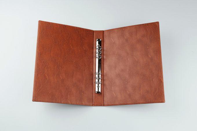 Buku Menu Binder A4 Cokelat tampak dalam